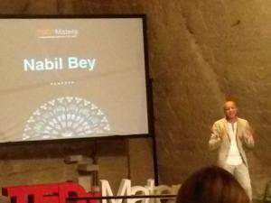 nabil bey canta al tedx matera 2017