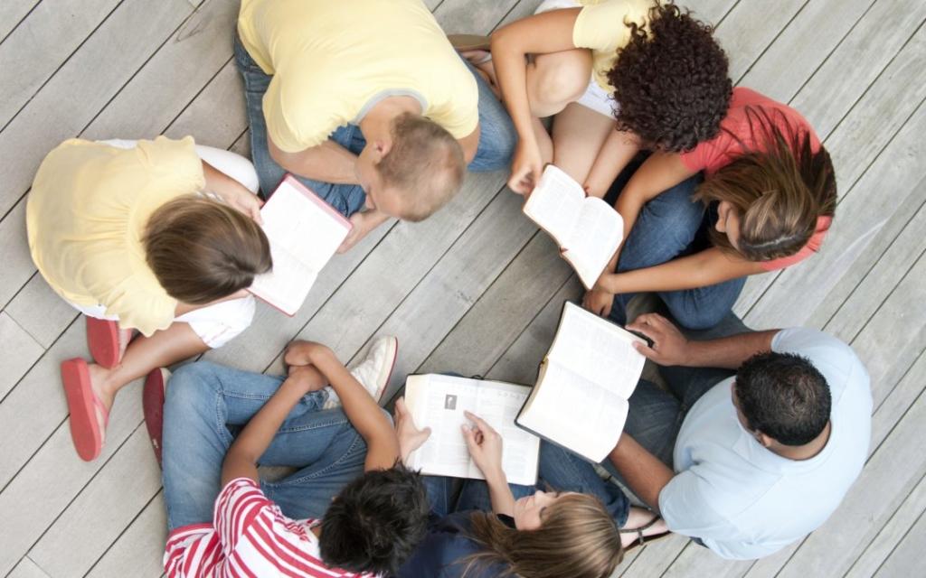 ragazzi studiano e si divertono a casa netural matera