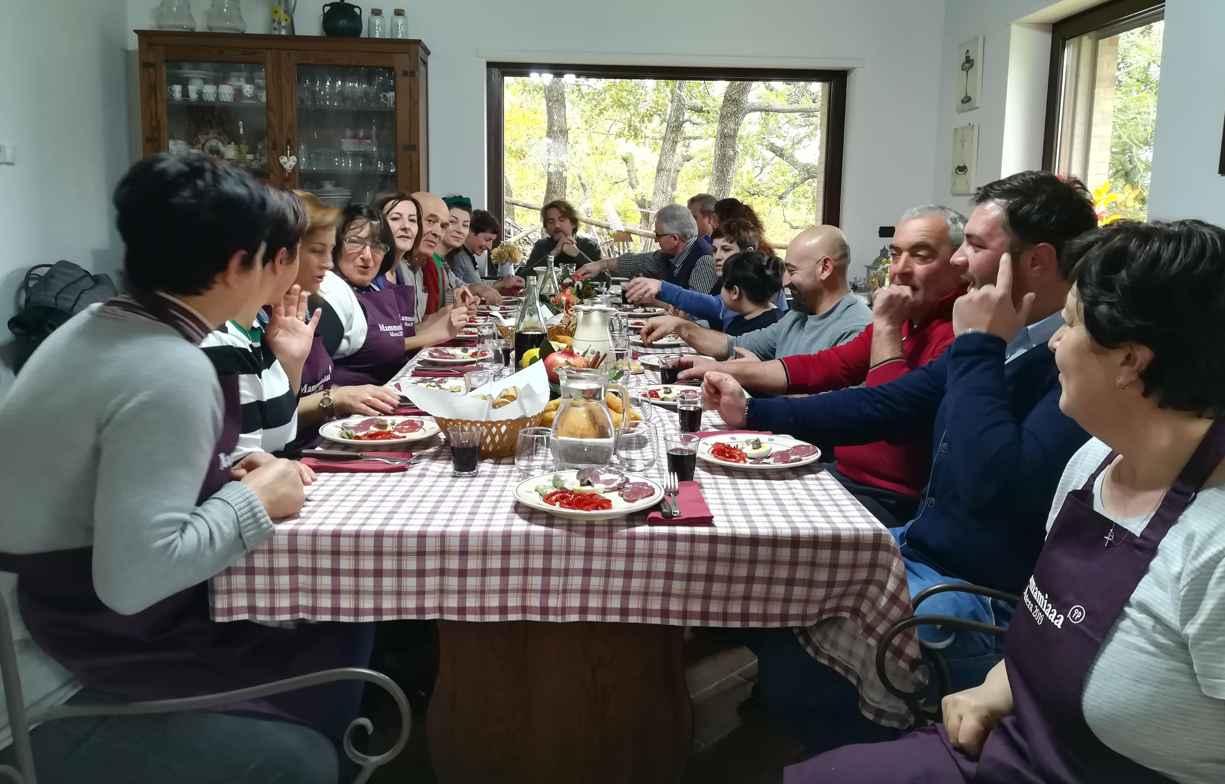Mammamiaaa, da Sant'Angelo Le Fratte i cittadini condividono ricette e storie di famiglia con Matera 2019 e Casa Netural