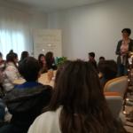 Mariella-introduce-Casa-Netural-ai-giovani-studenti